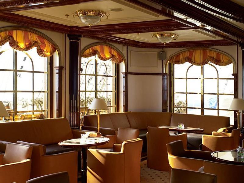 sea cloud cruises kreuzfahrten schiffsreisen bei e hoi. Black Bedroom Furniture Sets. Home Design Ideas
